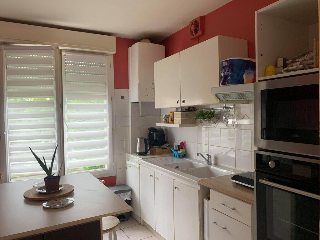 Appartement à louer 3 66.81m2 à Margny-lès-Compiègne vignette-3