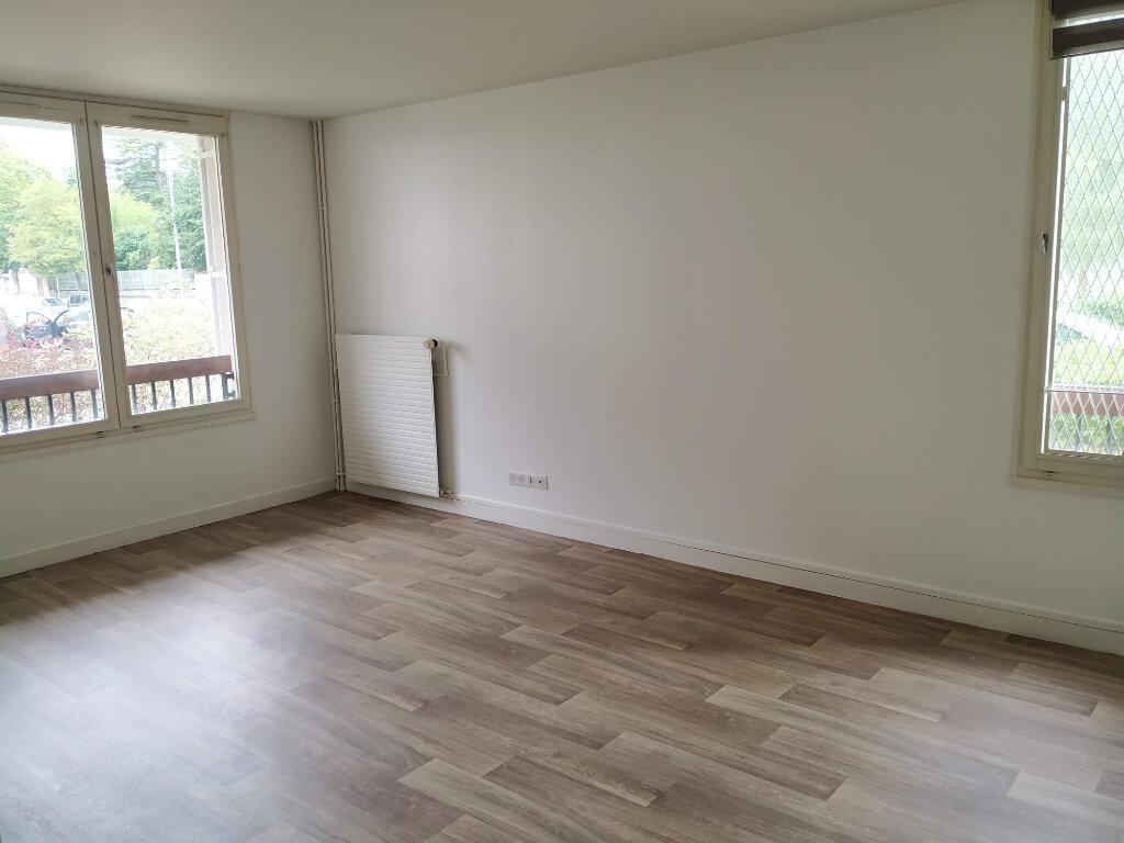 Appartement à louer 2 53.44m2 à Compiègne vignette-1