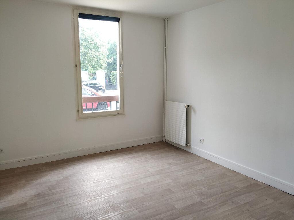 Appartement à louer 2 53.44m2 à Compiègne vignette-2