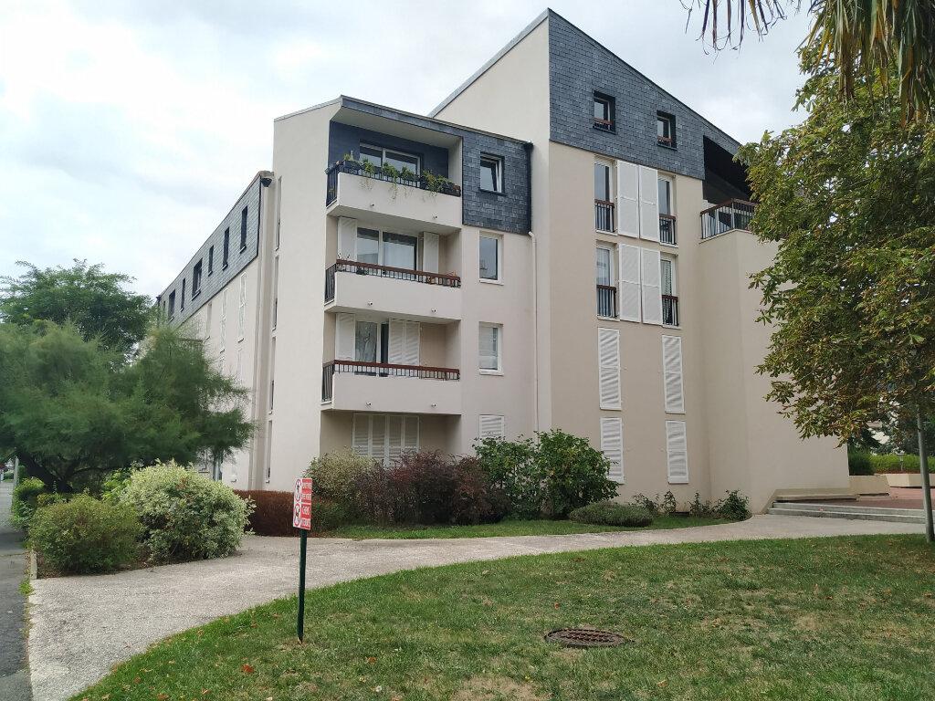 Appartement à louer 2 53.44m2 à Compiègne vignette-4
