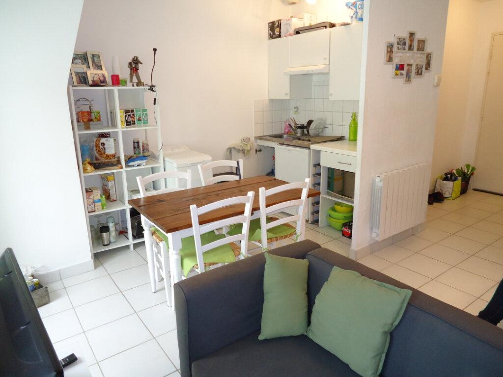 Appartement à louer 1 33.6m2 à Compiègne vignette-2