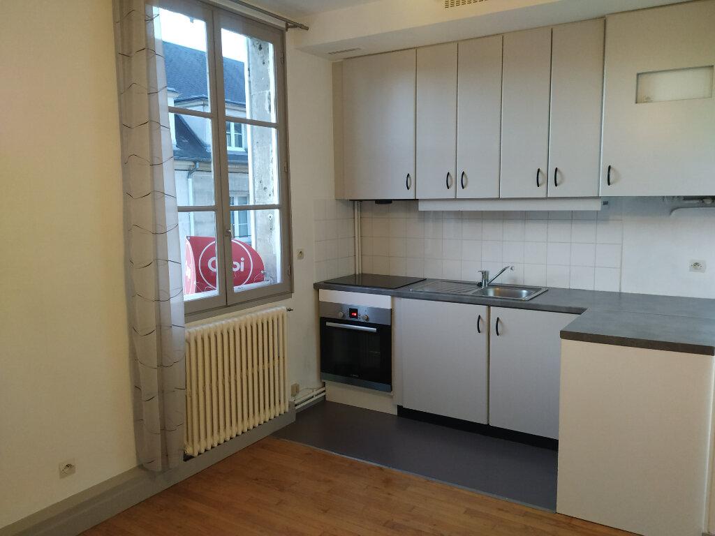 Appartement à louer 2 41.38m2 à Compiègne vignette-2
