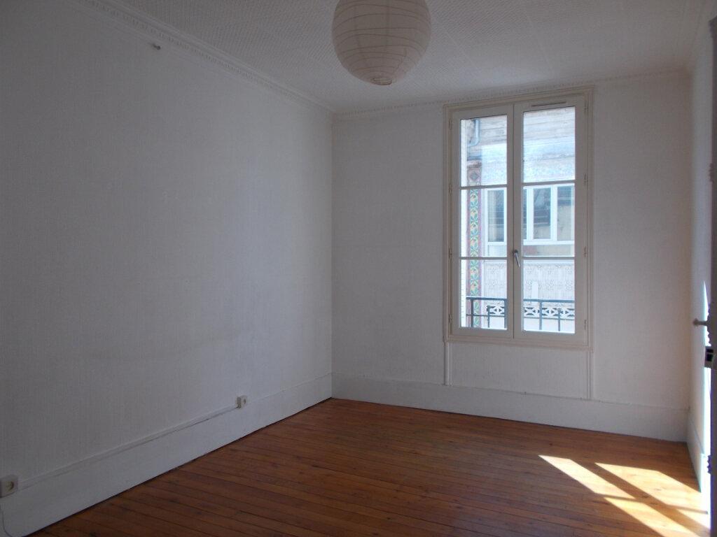 Appartement à louer 2 47.51m2 à Compiègne vignette-2