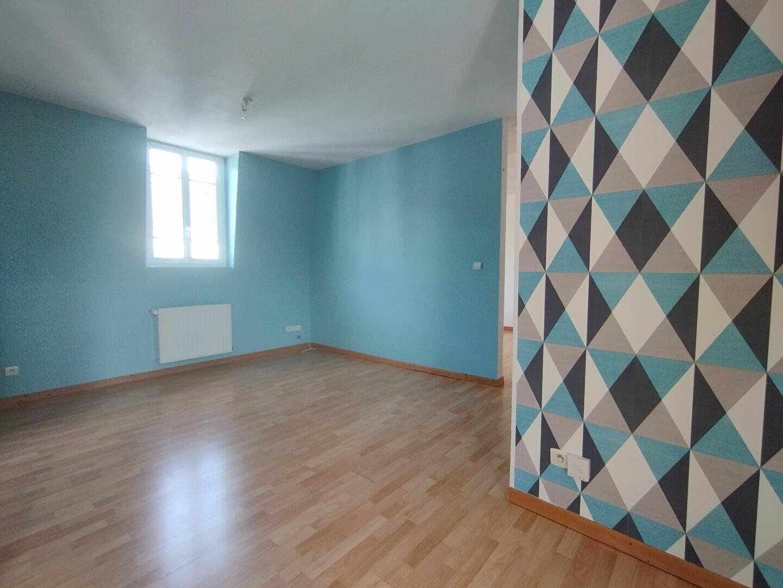 Appartement à louer 4 89.7m2 à Compiègne vignette-2