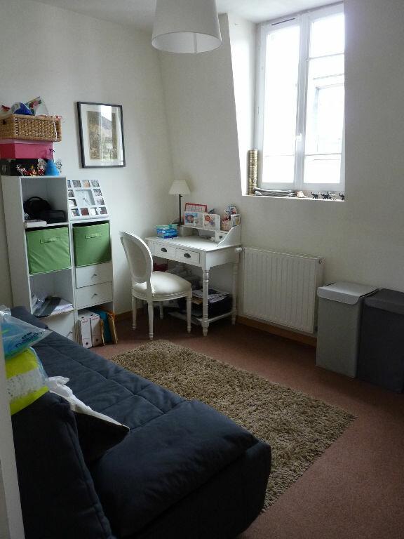 Appartement à louer 4 89.7m2 à Compiègne vignette-5