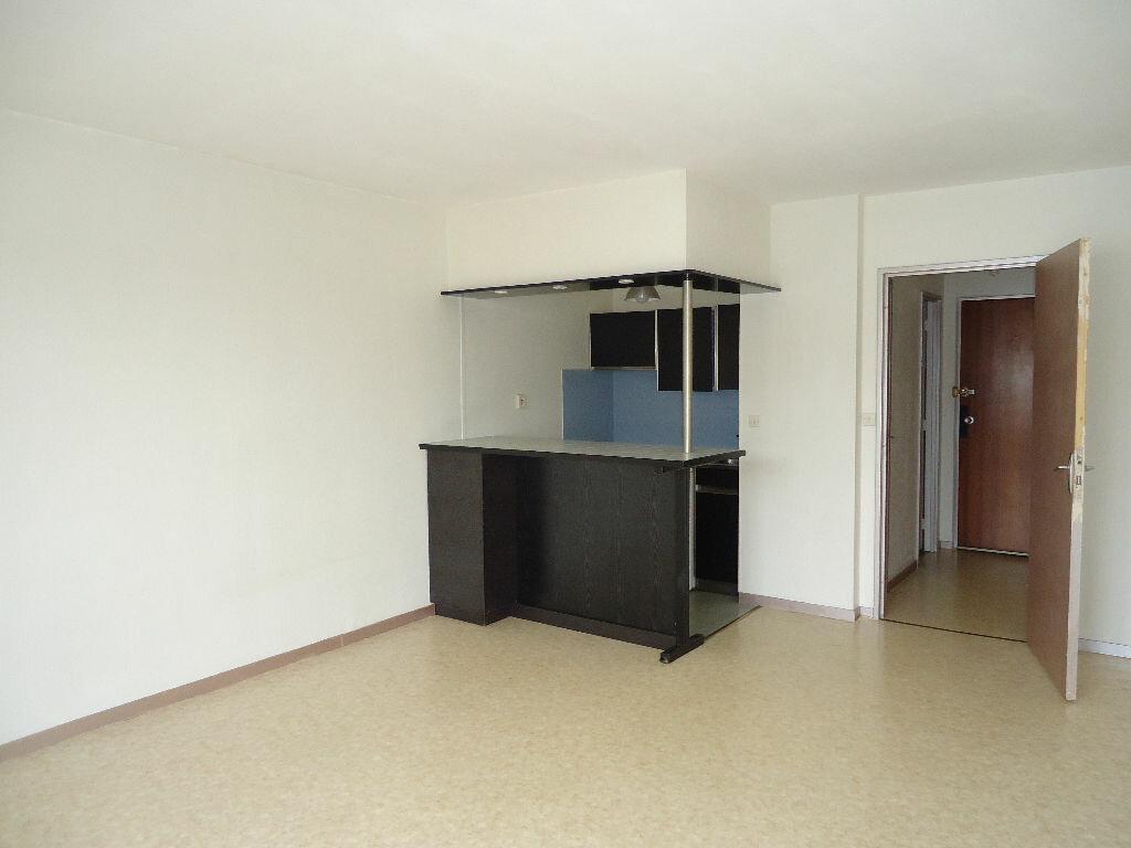 Appartement à louer 1 29.79m2 à Margny-lès-Compiègne vignette-1
