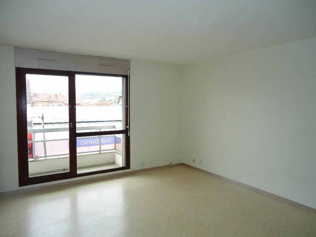 Appartement à louer 1 29.79m2 à Margny-lès-Compiègne vignette-2