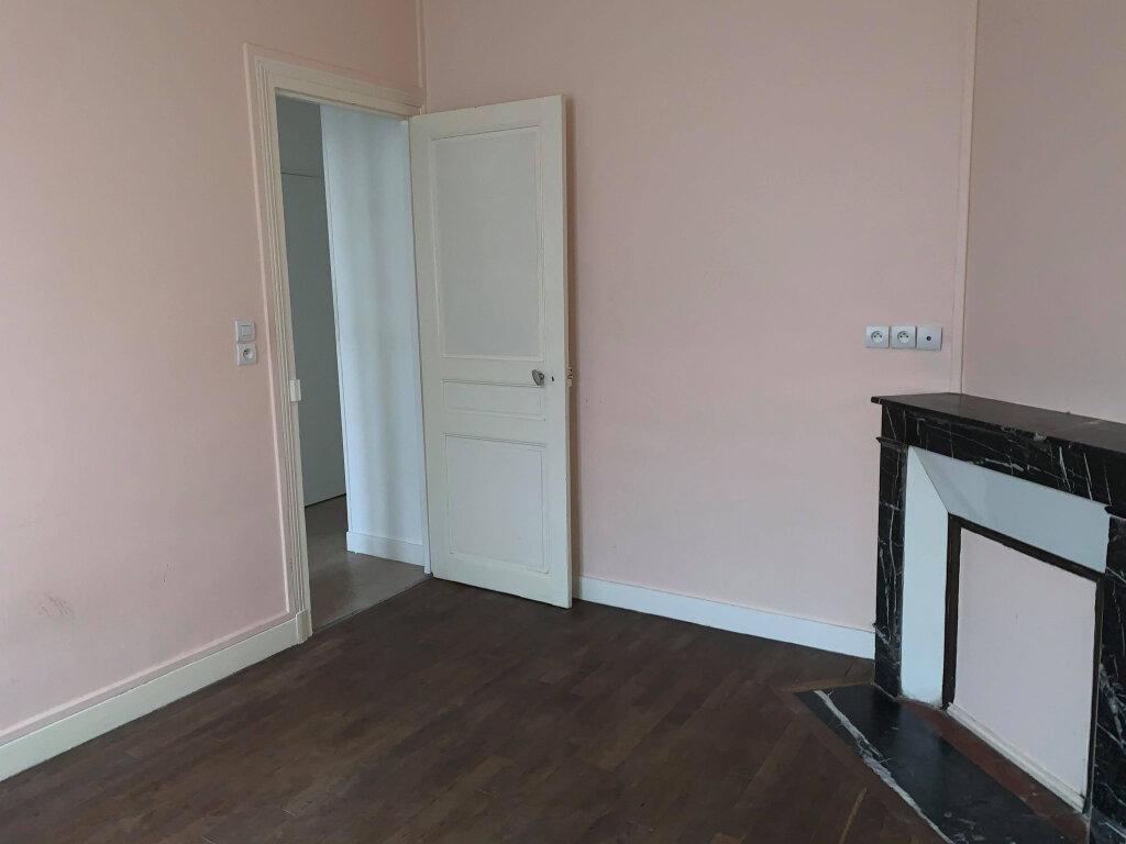 Appartement à louer 2 35m2 à Compiègne vignette-1