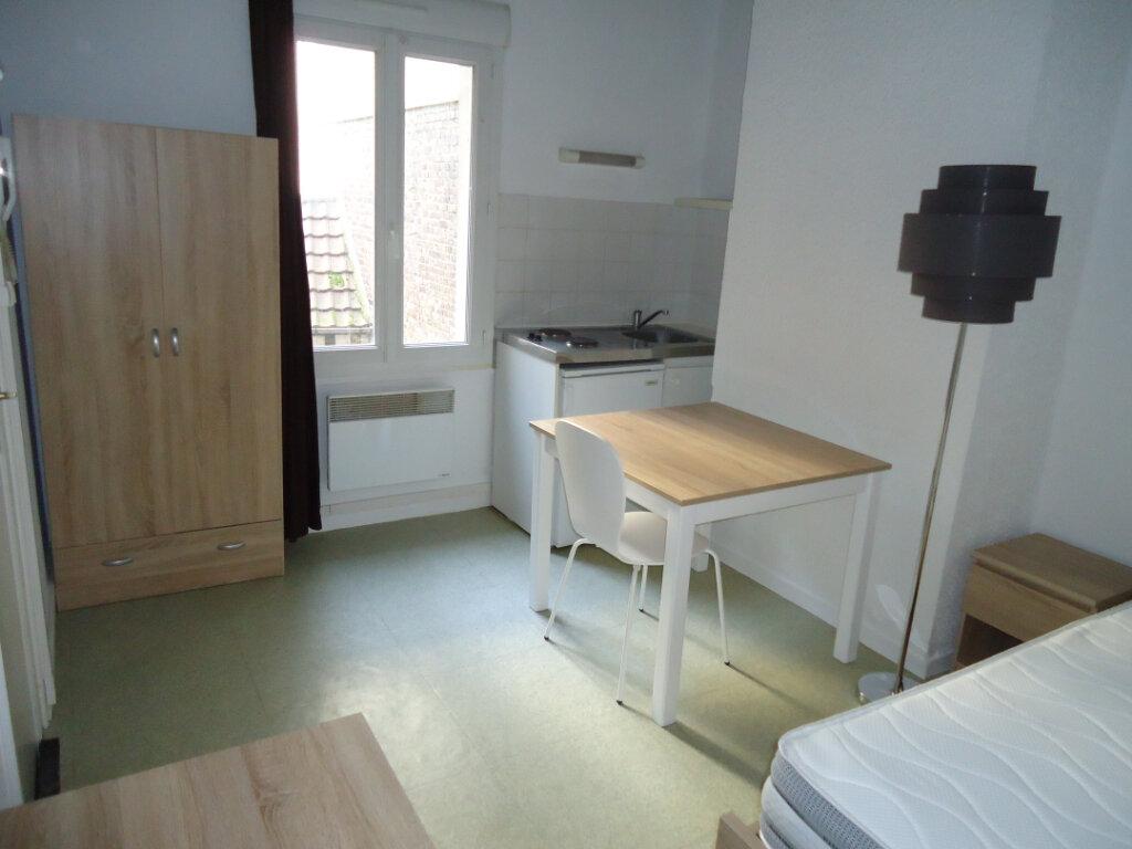 Appartement à louer 1 13.08m2 à Compiègne vignette-1