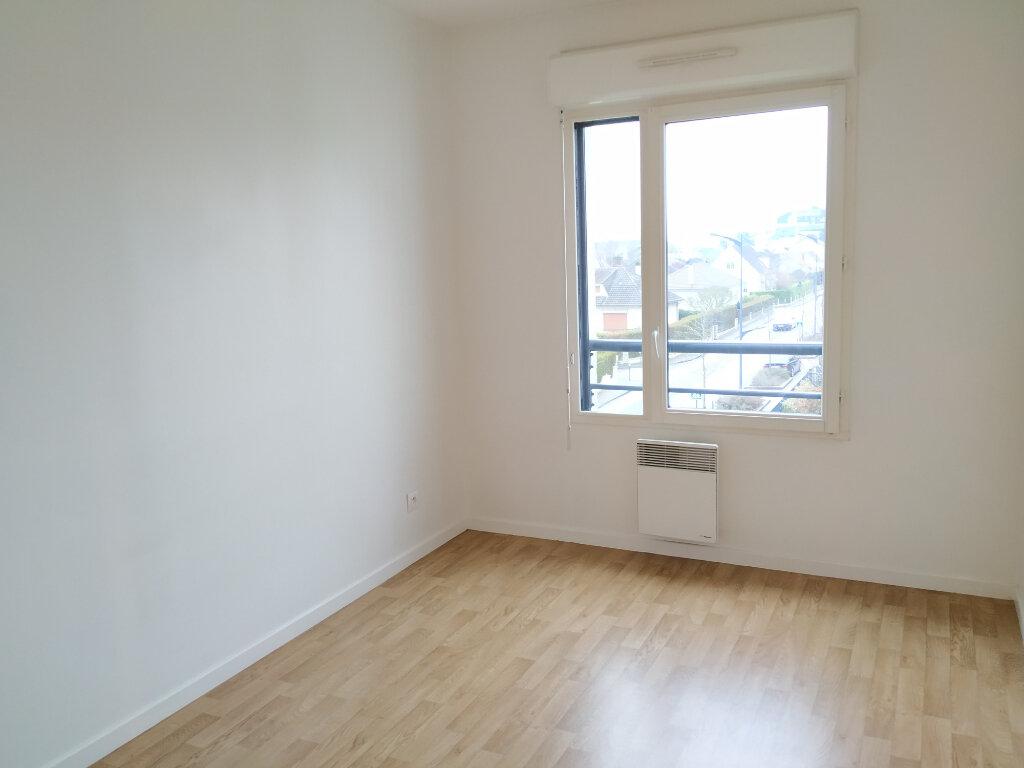 Appartement à louer 3 55m2 à Compiègne vignette-4