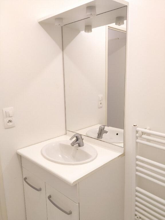 Appartement à louer 3 55m2 à Compiègne vignette-7