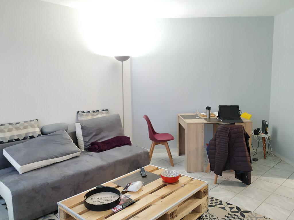 Appartement à louer 2 45.43m2 à Compiègne vignette-2