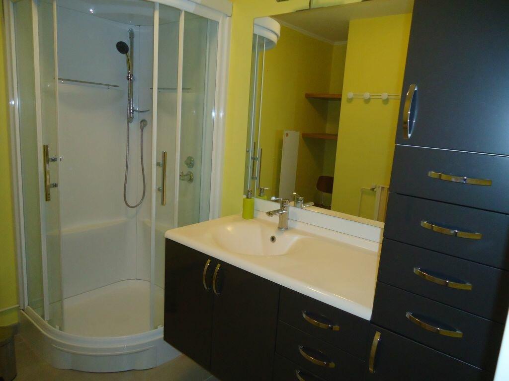 Appartement à louer 3 62.88m2 à Compiègne vignette-5