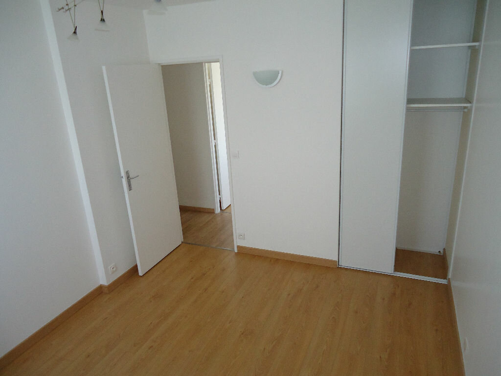 Appartement à louer 3 62.88m2 à Compiègne vignette-7
