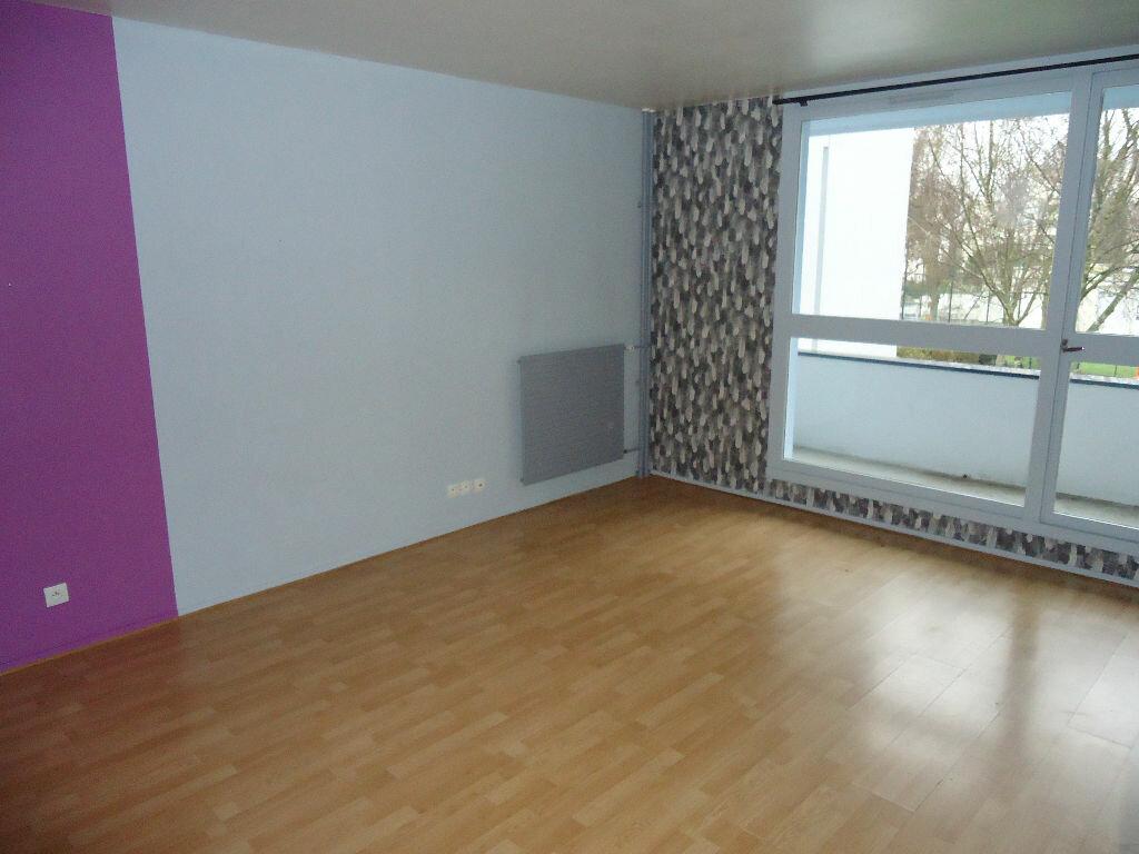 Appartement à louer 1 32.91m2 à Compiègne vignette-1