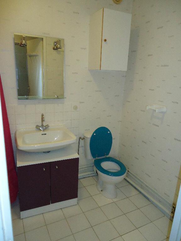 Appartement à louer 1 32.91m2 à Compiègne vignette-4