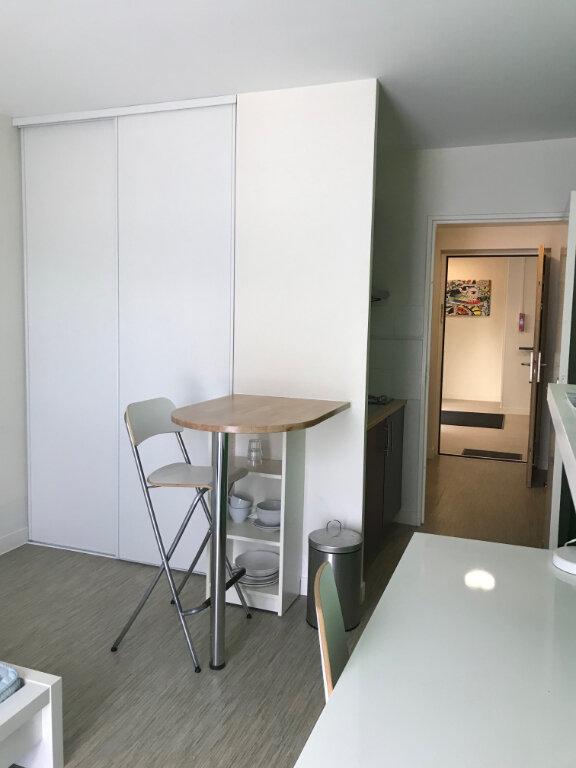 Appartement à louer 1 22m2 à Compiègne vignette-2