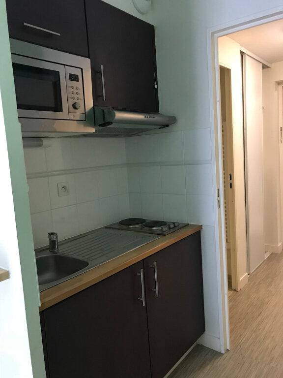 Appartement à louer 1 22m2 à Compiègne vignette-3