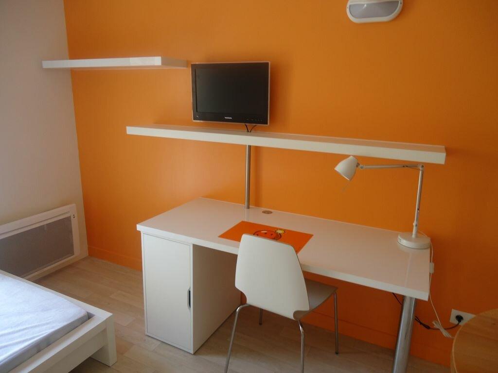Appartement à louer 1 21m2 à Compiègne vignette-2