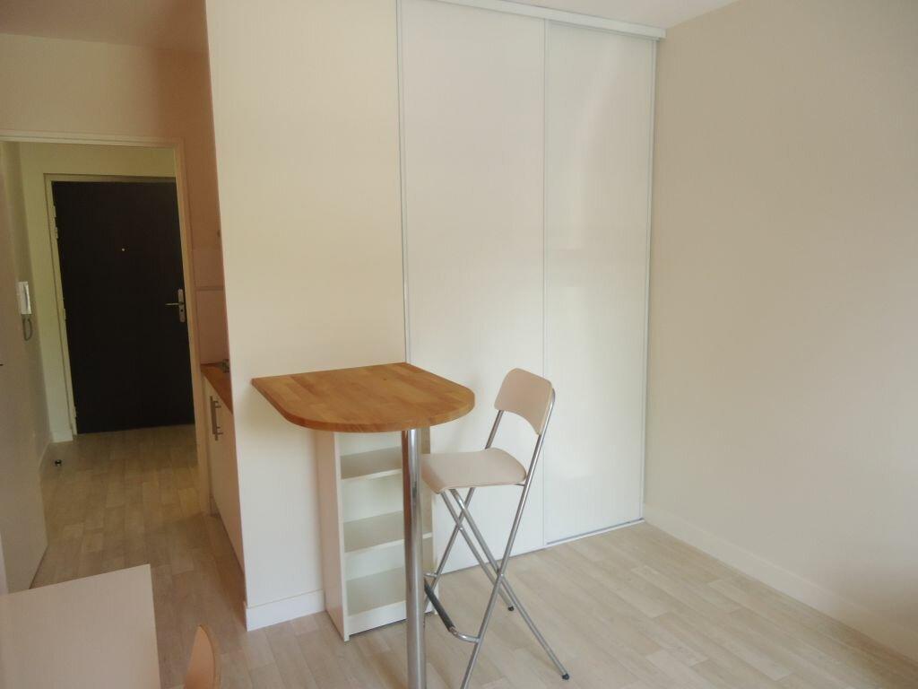 Appartement à louer 1 21m2 à Compiègne vignette-4