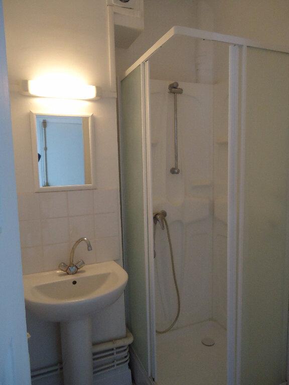 Appartement à louer 2 36.2m2 à Compiègne vignette-4