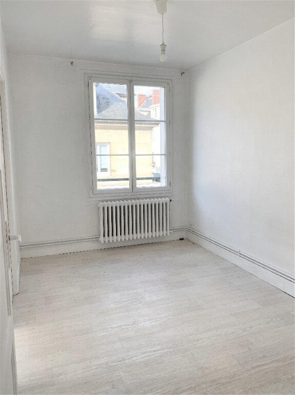 Appartement à louer 2 36.2m2 à Compiègne vignette-5