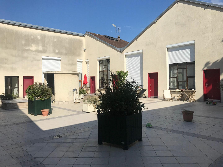 Appartement à louer 2 44m2 à Compiègne vignette-1