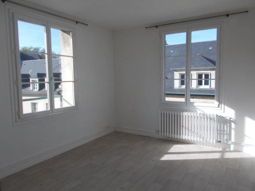 Appartement à louer 2 36.09m2 à Compiègne vignette-2