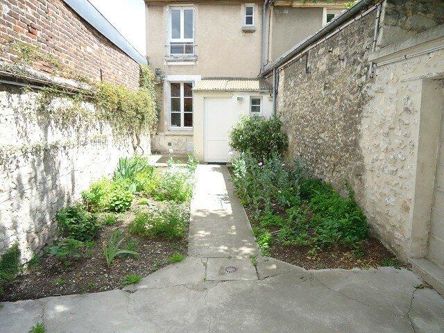 Maison à louer 3 61m2 à Compiègne vignette-1