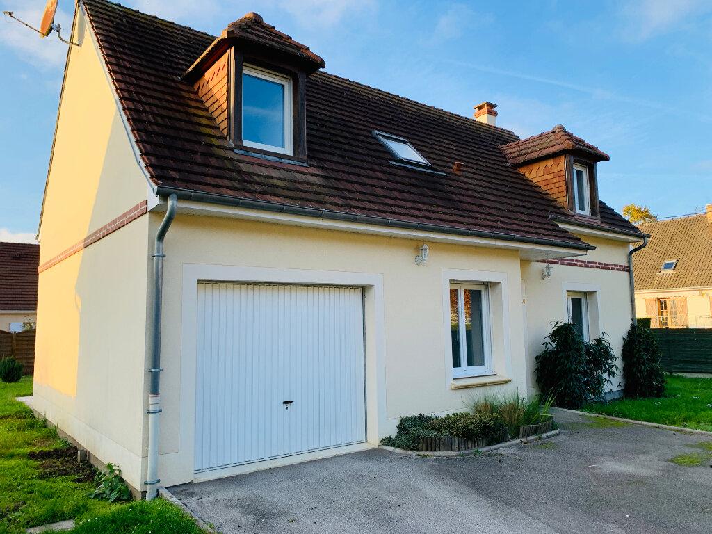 Maison à louer 4 94.34m2 à Le Plessis-Brion vignette-1