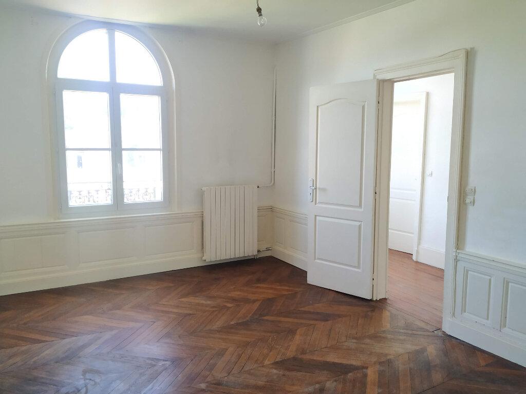 Maison à louer 8 183.66m2 à Coudun vignette-3