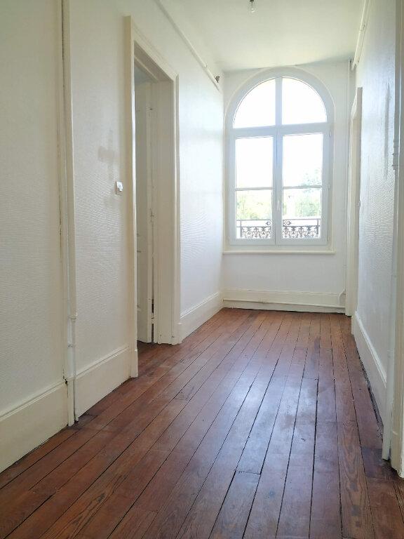 Maison à louer 8 183.66m2 à Coudun vignette-8