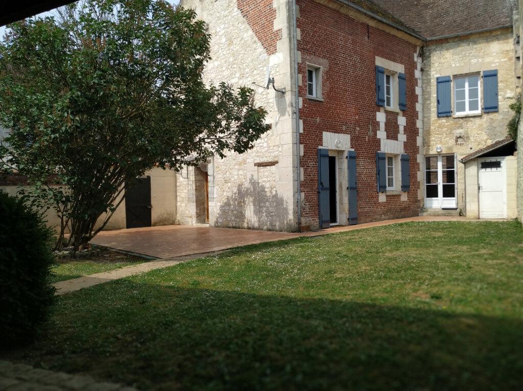 Maison à louer 5 141.79m2 à Monchy-Humières vignette-1