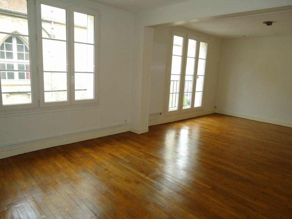 Appartement à louer 4 94.32m2 à Compiègne vignette-1