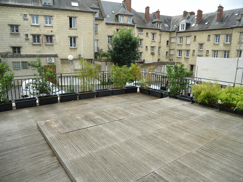 Appartement à louer 4 94.32m2 à Compiègne vignette-2