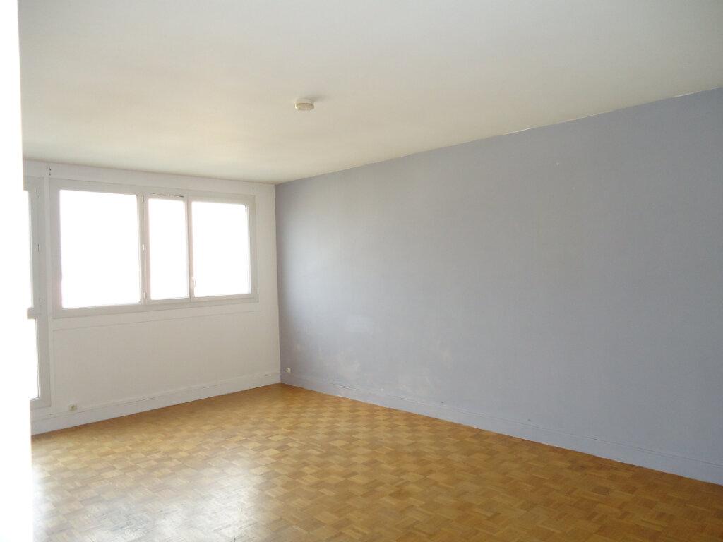 Appartement à louer 3 72.92m2 à Compiègne vignette-2