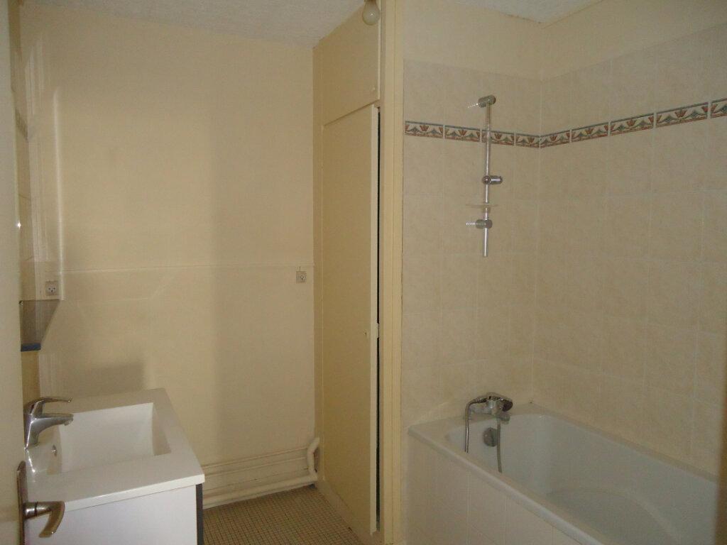 Appartement à louer 3 72.92m2 à Compiègne vignette-3