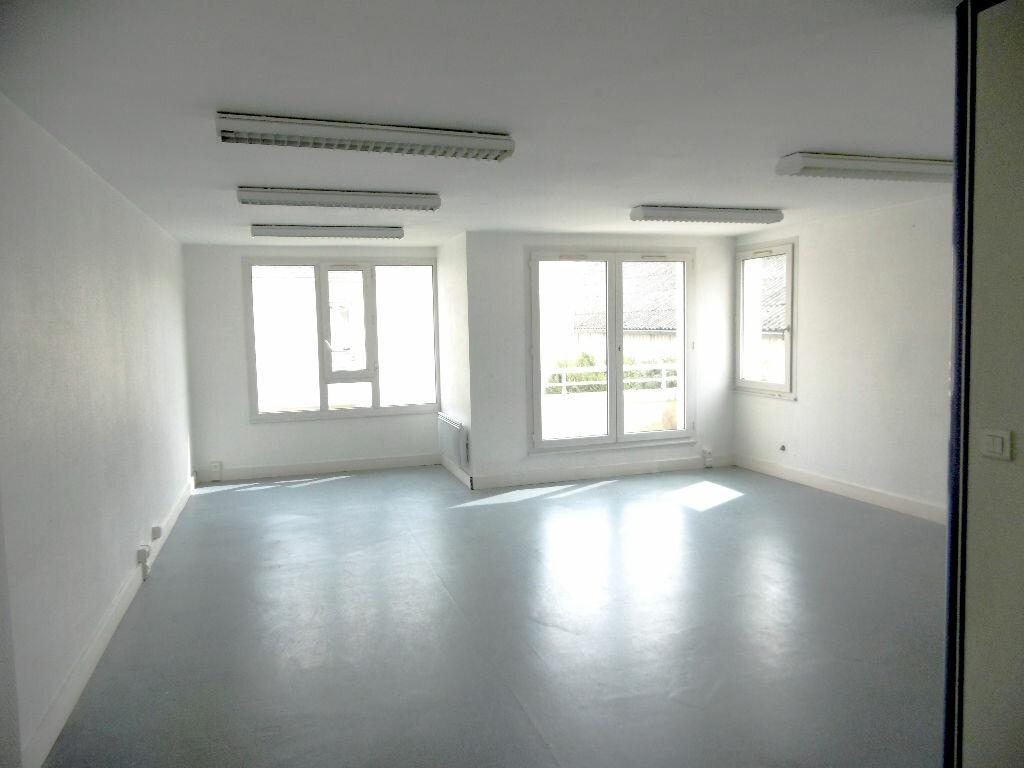Appartement à vendre 5 114.48m2 à Compiègne vignette-1