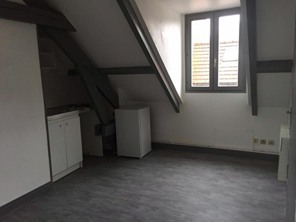 Appartement à louer 1 13.74m2 à Compiègne vignette-2