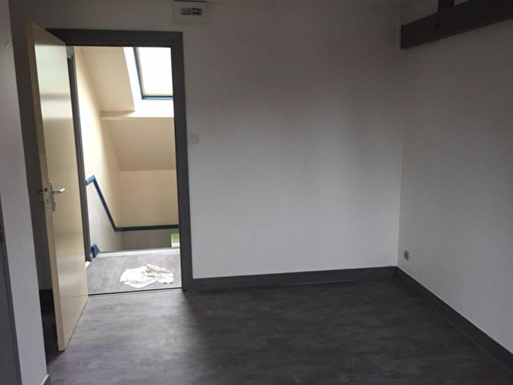 Appartement à louer 1 13.74m2 à Compiègne vignette-4