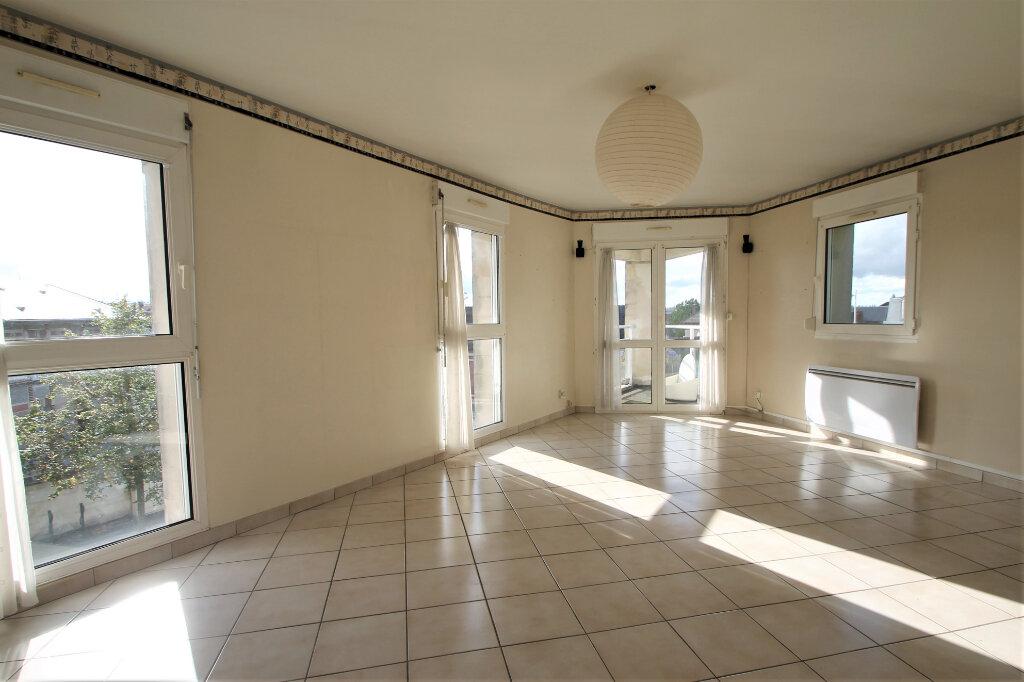 Appartement à vendre 3 69.5m2 à Compiègne vignette-1