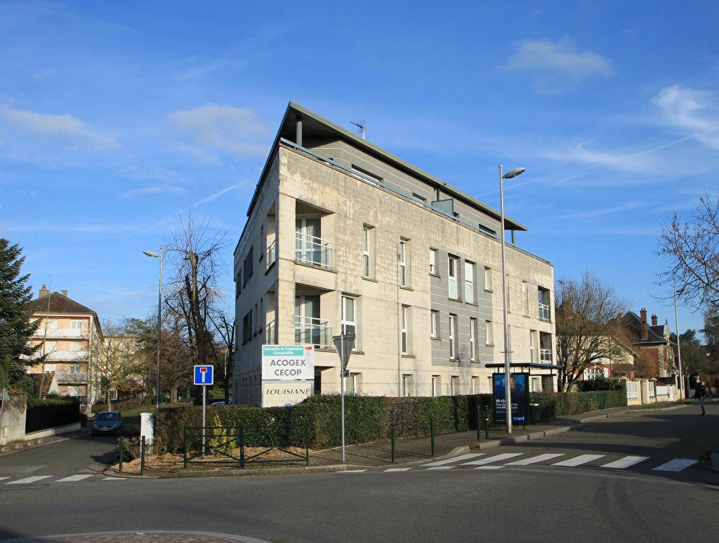 Appartement à vendre 3 69.5m2 à Compiègne vignette-6