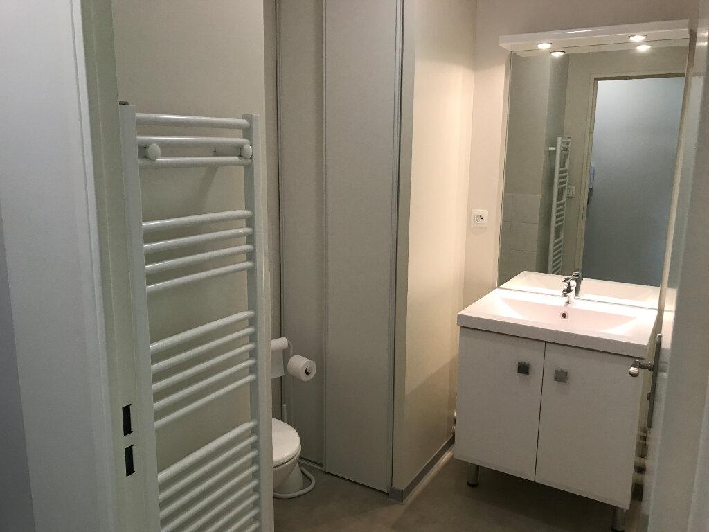 Appartement à louer 1 18.5m2 à Compiègne vignette-5