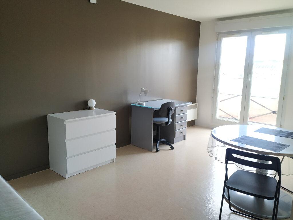 Appartement à louer 1 23.37m2 à Compiègne vignette-1