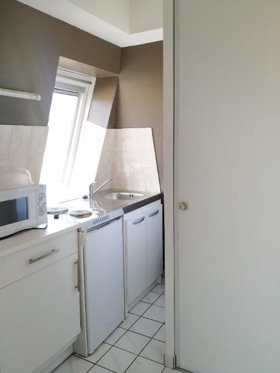 Appartement à louer 1 23.37m2 à Compiègne vignette-2