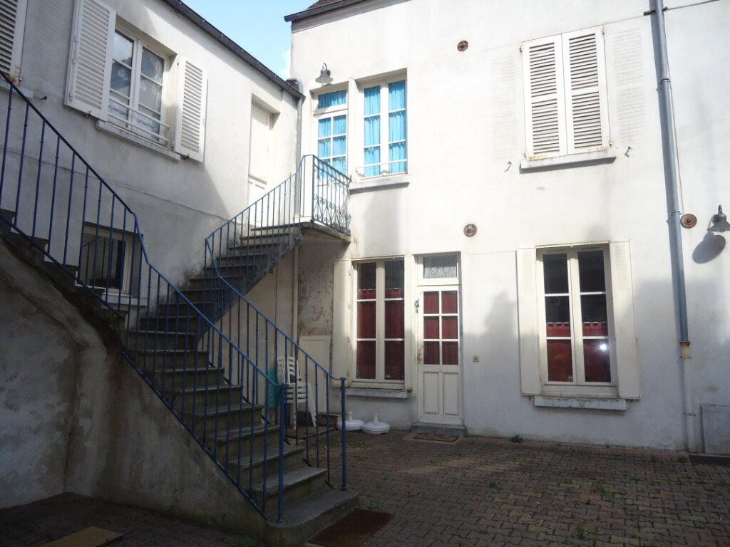 Appartement à louer 1 25.81m2 à Compiègne vignette-2