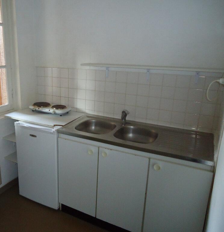 Appartement à louer 1 25.81m2 à Compiègne vignette-3