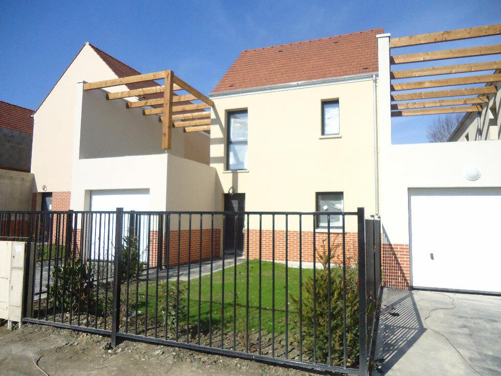 Maison à louer 5 104.72m2 à Compiègne vignette-1