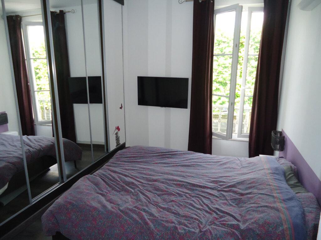 Appartement à louer 3 56.6m2 à Compiègne vignette-4