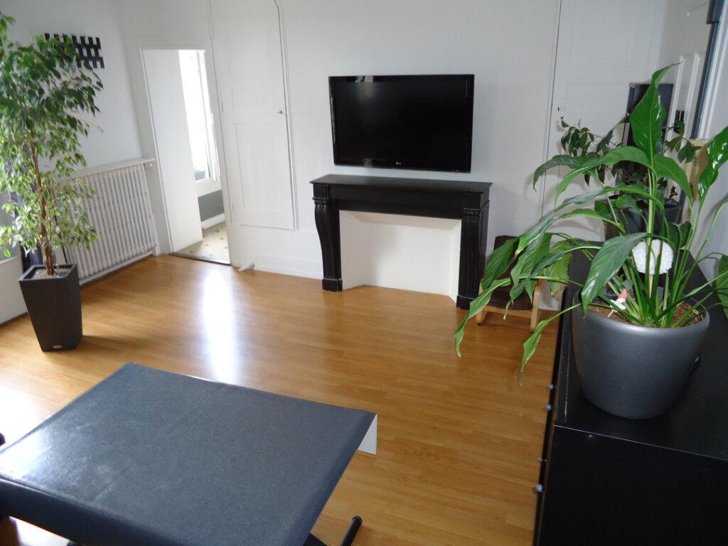 Appartement à louer 3 56.6m2 à Compiègne vignette-6